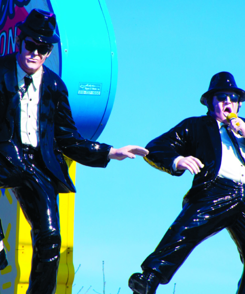 A Blues Brothers statue in Chicago
