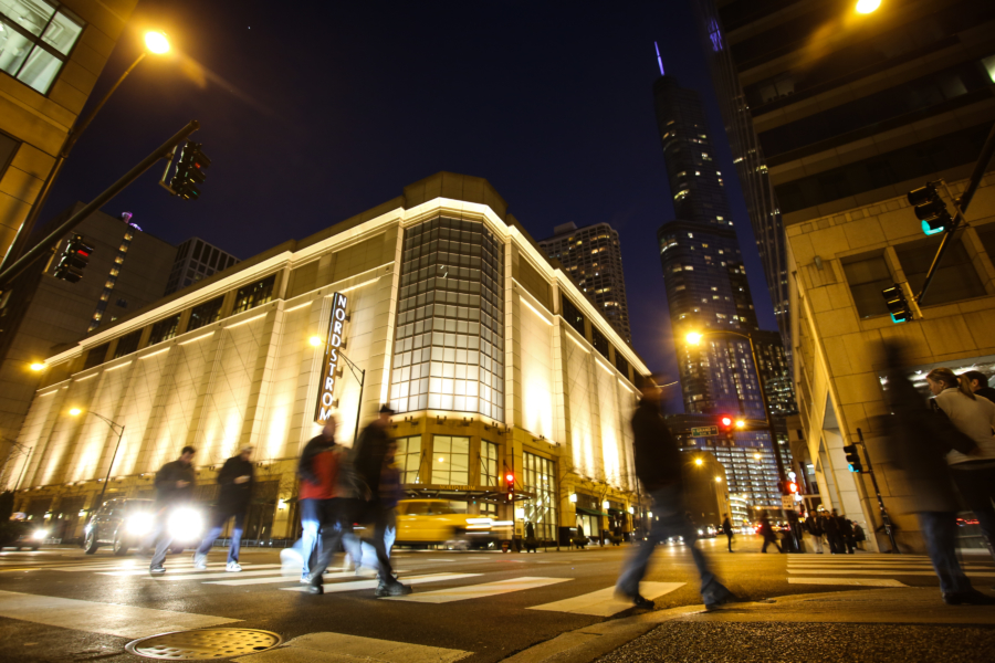 Chicago Guide To Magnificent Mile Shopping Restaurants Events