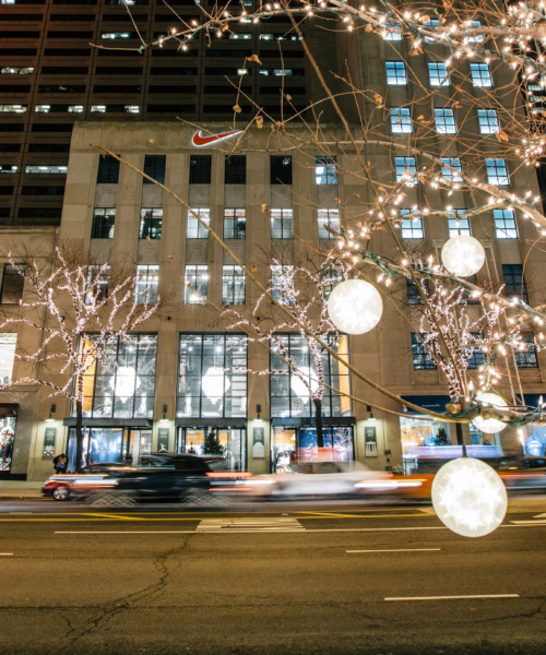 chicago-guide-to-holiday-shopping-along-the-magnificent-mile
