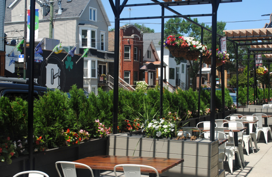 Restaurant and bar in Roscoe Village