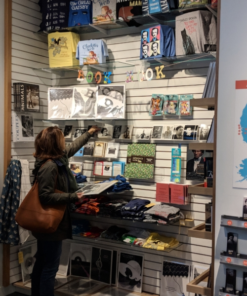 5-chicago-museum-stores-for-cool-gifts