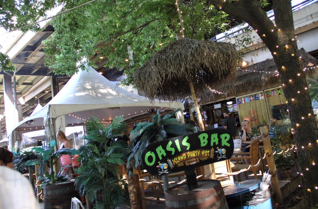 Island Bar Hut Riverwalk