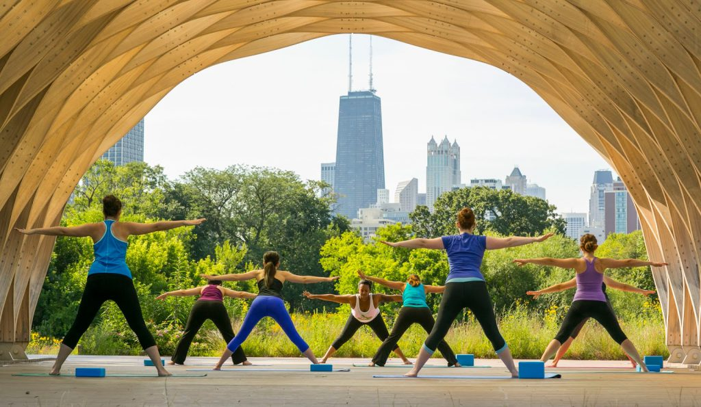 Summer outdoor fitness in Chicago