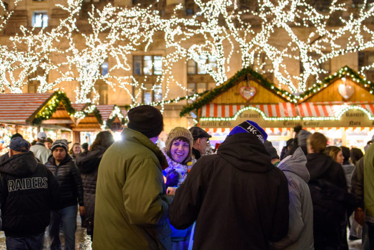 Chicago Christmas.13 Spots For Christmas Lights In Chicago Holiday Displays