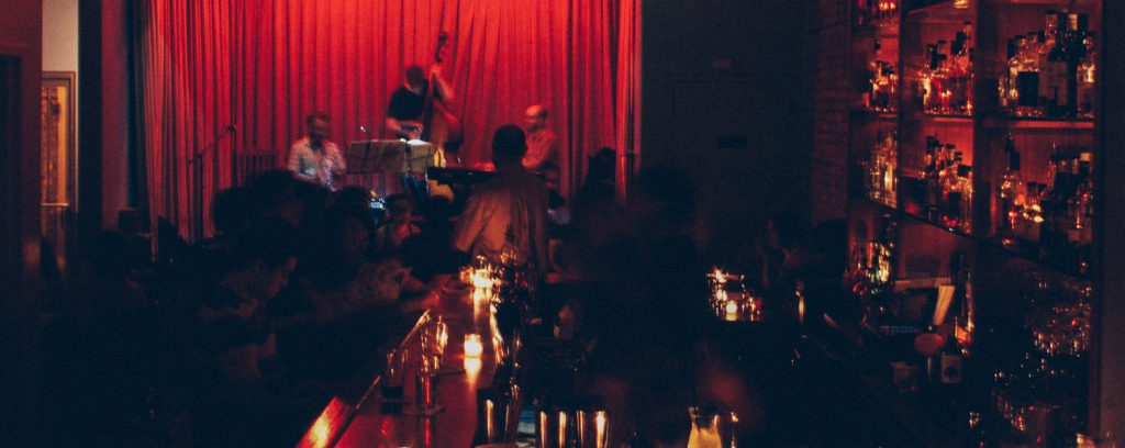 7 cozy Chicago hangouts with cool music