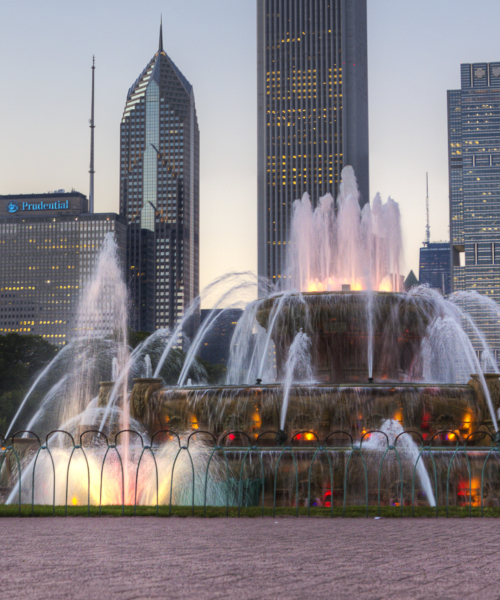 buckingham-fountain-in-chicagos-grant-park