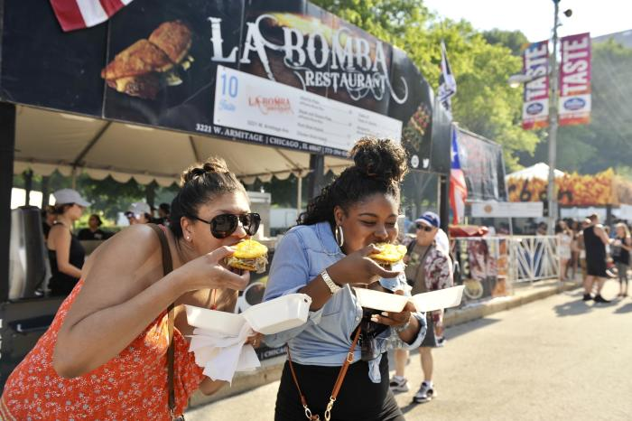 Roscoe Fall Festival 2020.Chicago S Top Food Festivals Find Culinary Events Year Round