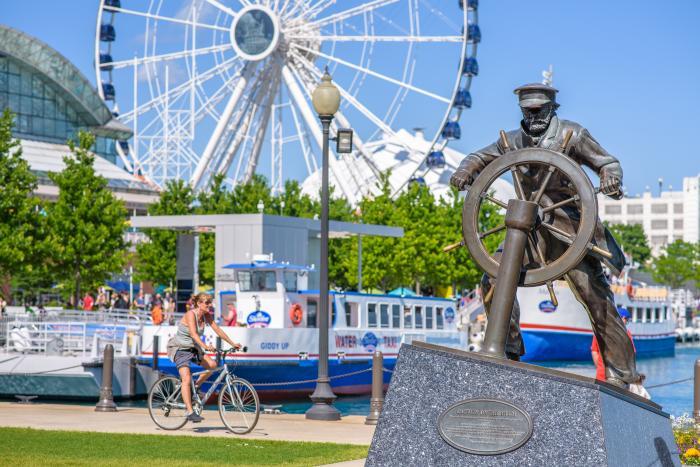 Navy Pier Statue