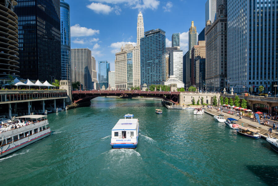 Shoreline Sightseeing boat cruise on the Chicago River
