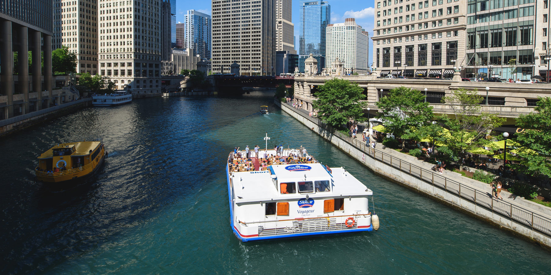 Make Waves On A Chicago Boat Cruise Choose Chicago