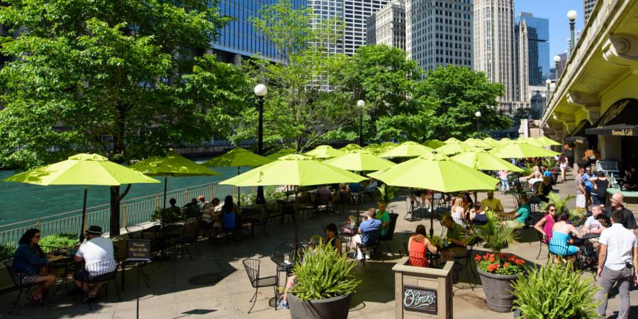 Day on the Chicago Riverwalk
