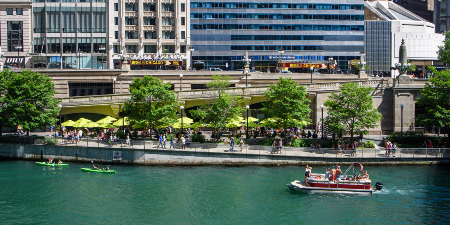 Boats along Chicago River