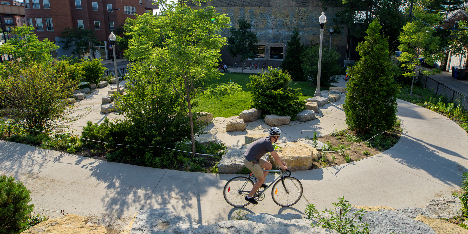 Explore the 606 elevated park & trail