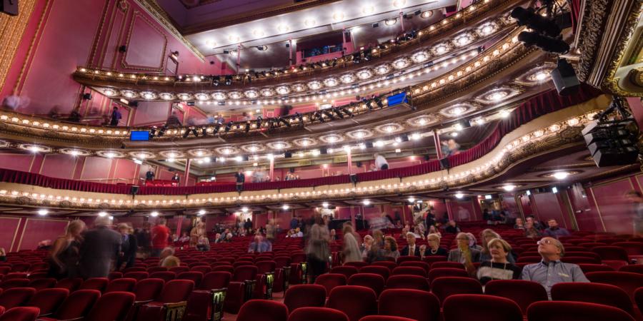 unique-chicago-theatres