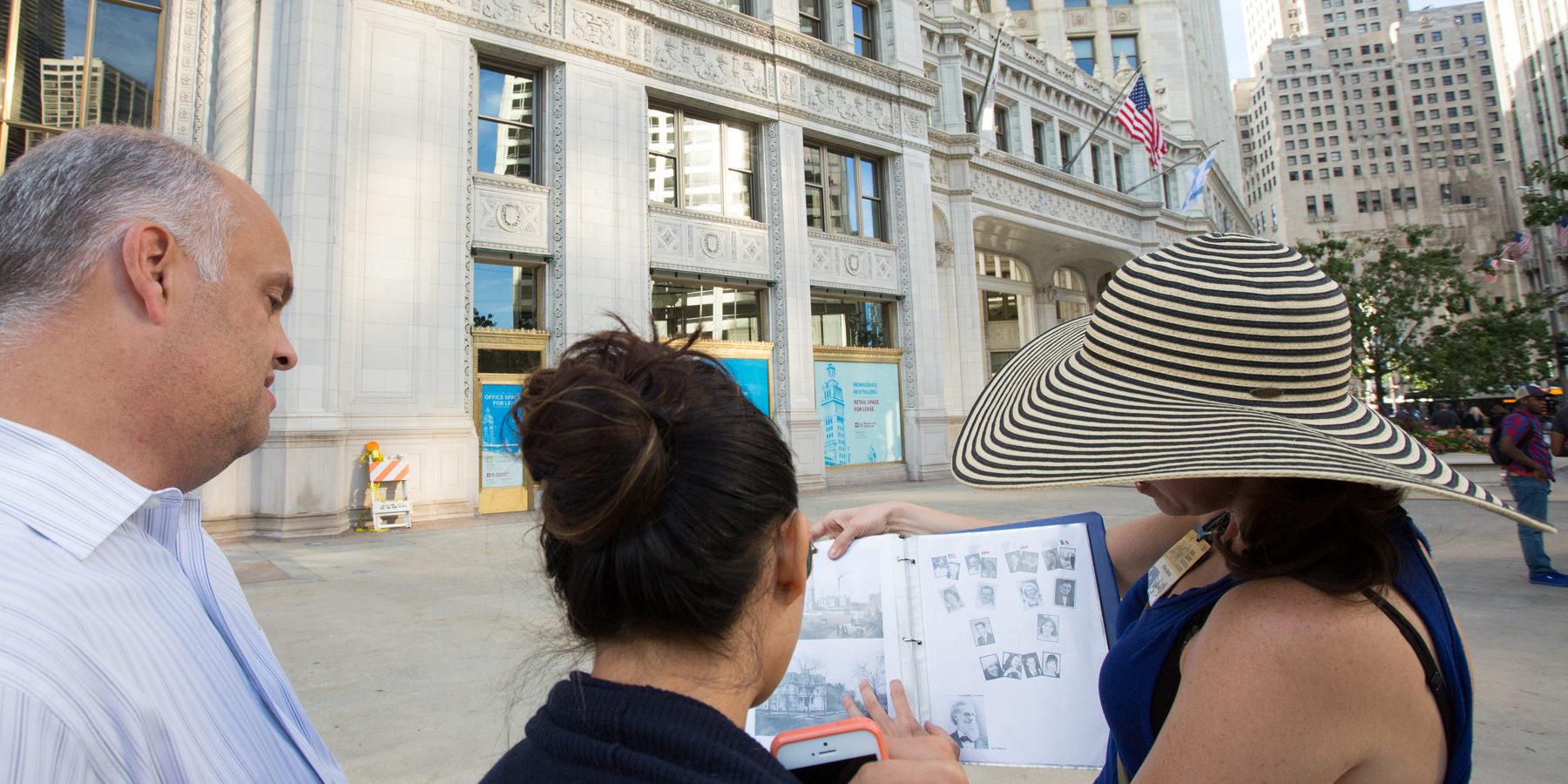 Walking tour of Chicago