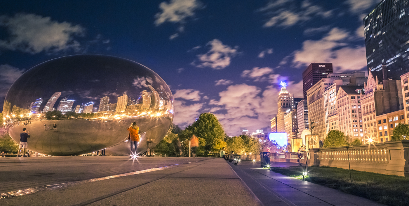 Cloudgate (The Bean) at night