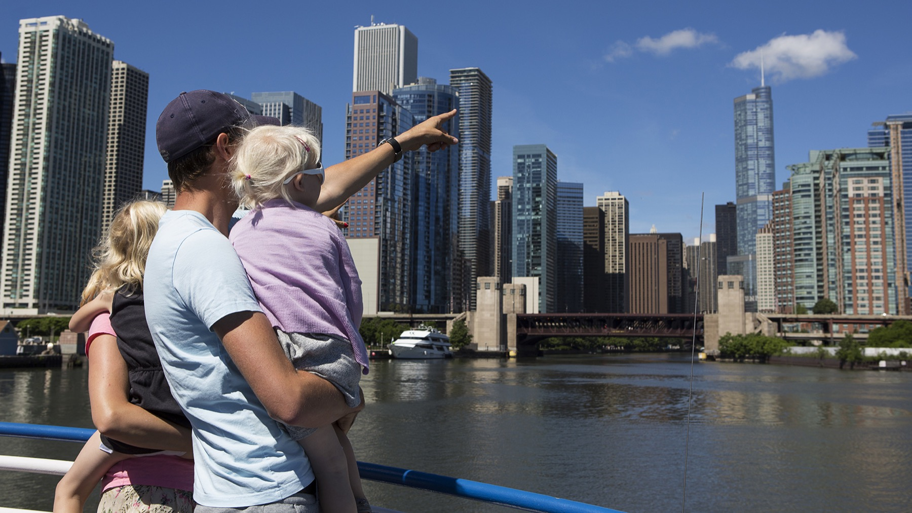 Shoreline Sightseeing Special Lake Tours during Taste of Chicago