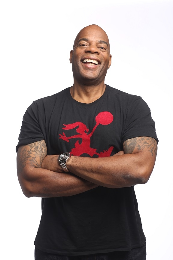 Alonzo Bodden Headlines the Chicago Improv