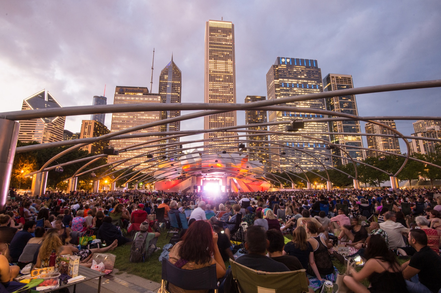 Enjoy free theatre events in Chicago all summer long