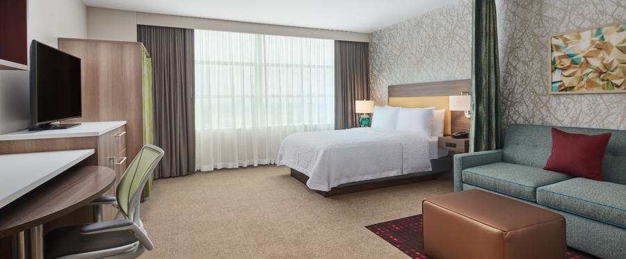 Explore Chicago hotels