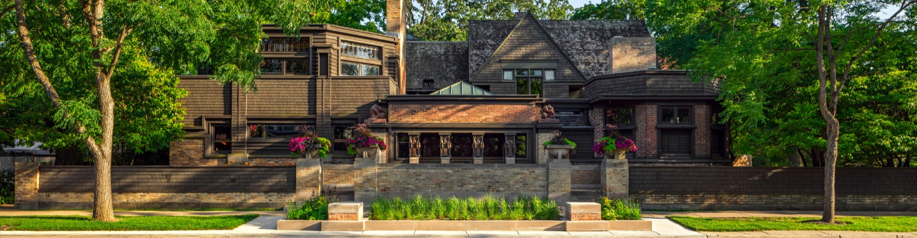 Delve into Frank Lloyd Wright's groundbreaking Chicago-area designs