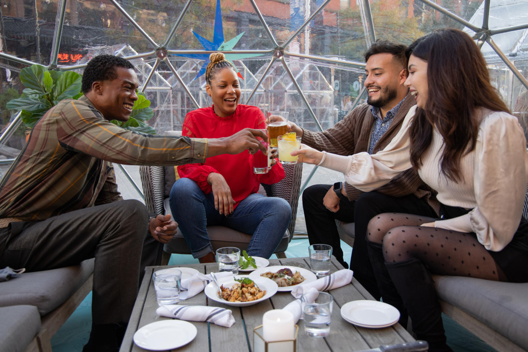 New Year's Eve dinner in Chicago: outdoor dining, takeout, and delivery options
