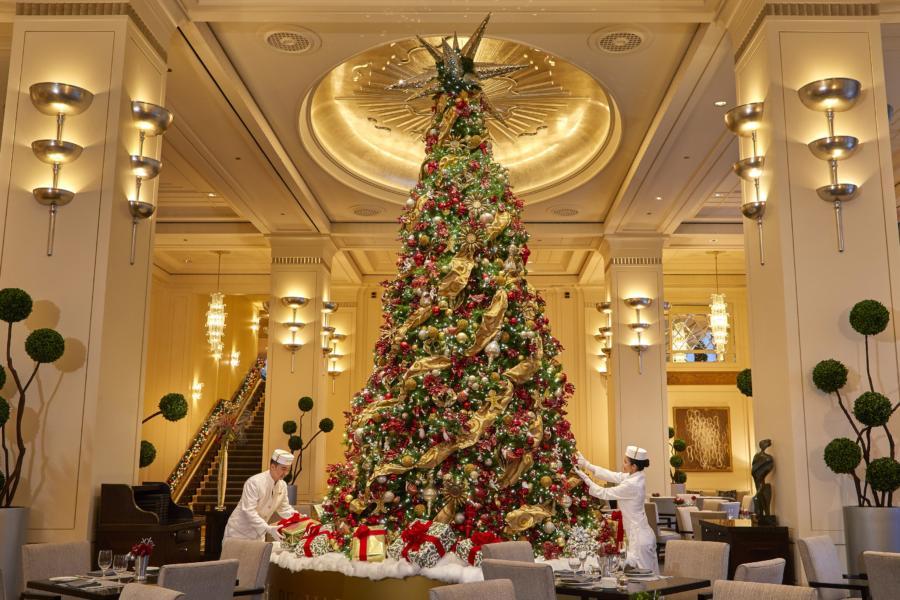 The Peninsula Chicago Lobby at Christmas