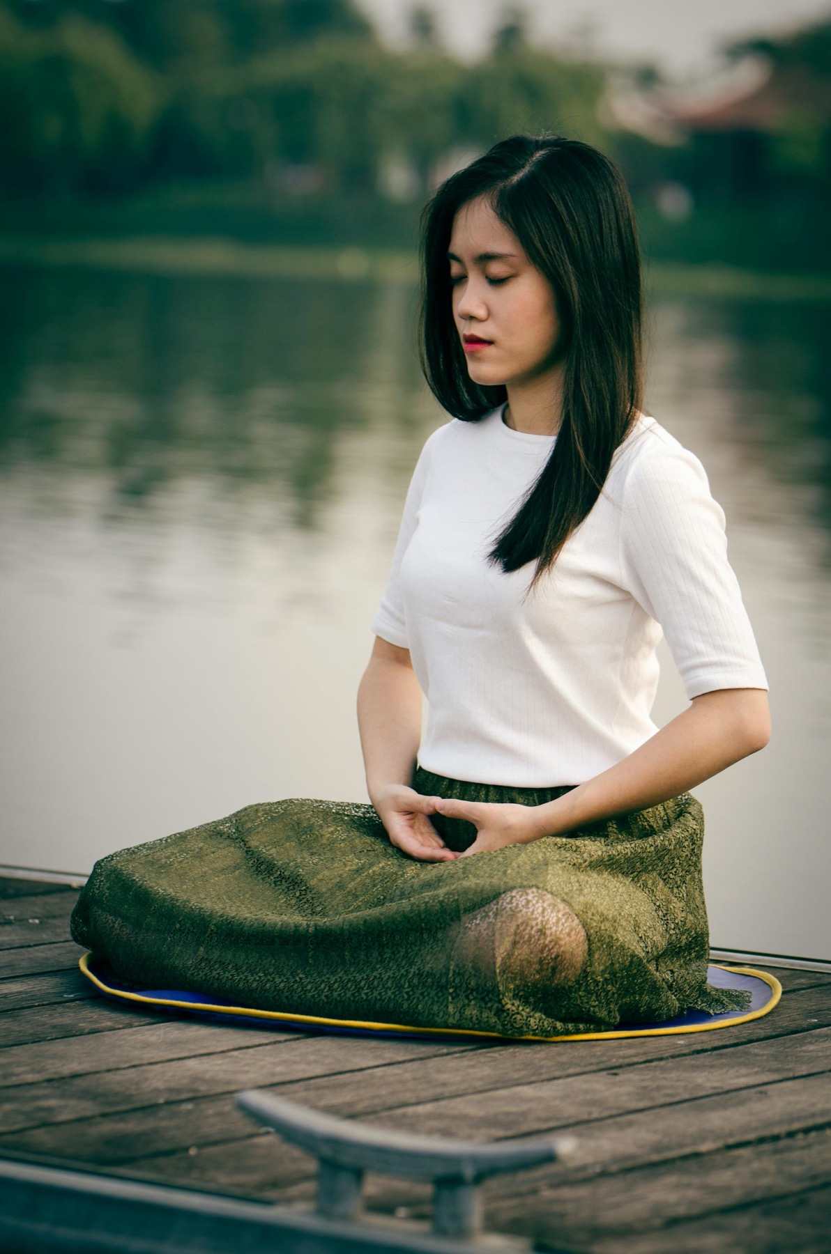 DuMore Meditating: Learn To Meditate 6 Part Series