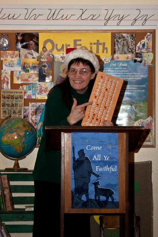 CHRISTMAS BINGO: IT'S A HO-HO-HOLY NIGHT STREAMING COMEDY