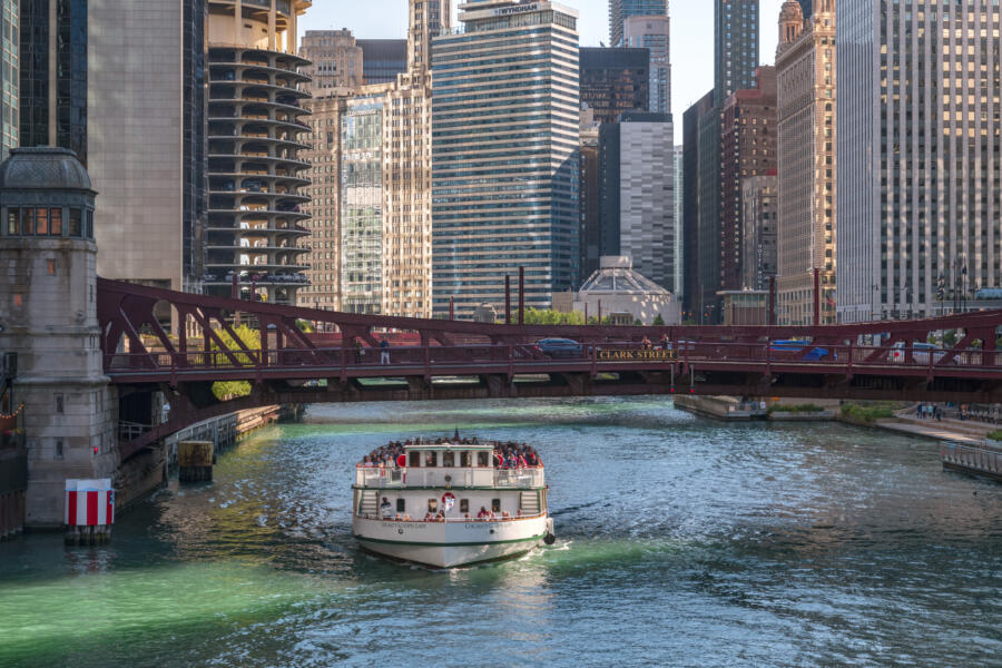 Chicago Architecture Foundation Center River Cruise aboard Chicago's First Lady