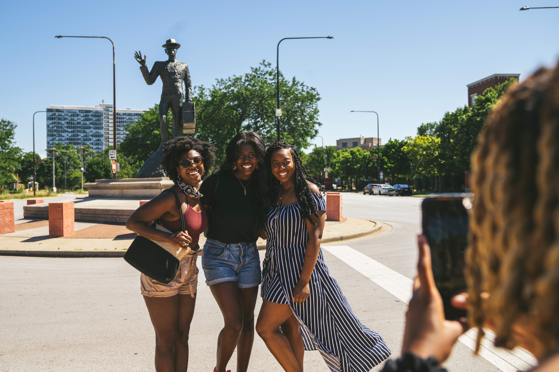 CHOOSE_CHICAGO_Bronzeville_GreatMigrationMonument (1)